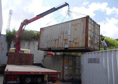Déménagement DOM-TOM Qui sommes nous galerie Déchargement de conteneur au dépôt de Guadeloupe-01 site demdomtom.com